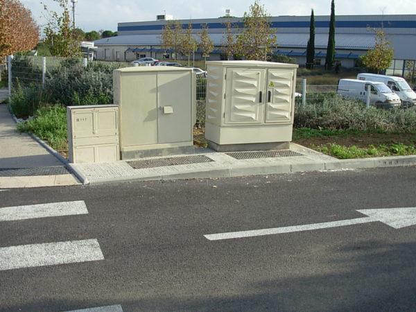 Armoires à pointes de diamant anti-affiche anti-graffiti Euro Urbain VDL 2 modules